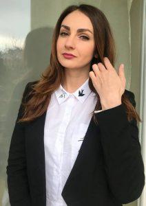 Яна Селиверстова