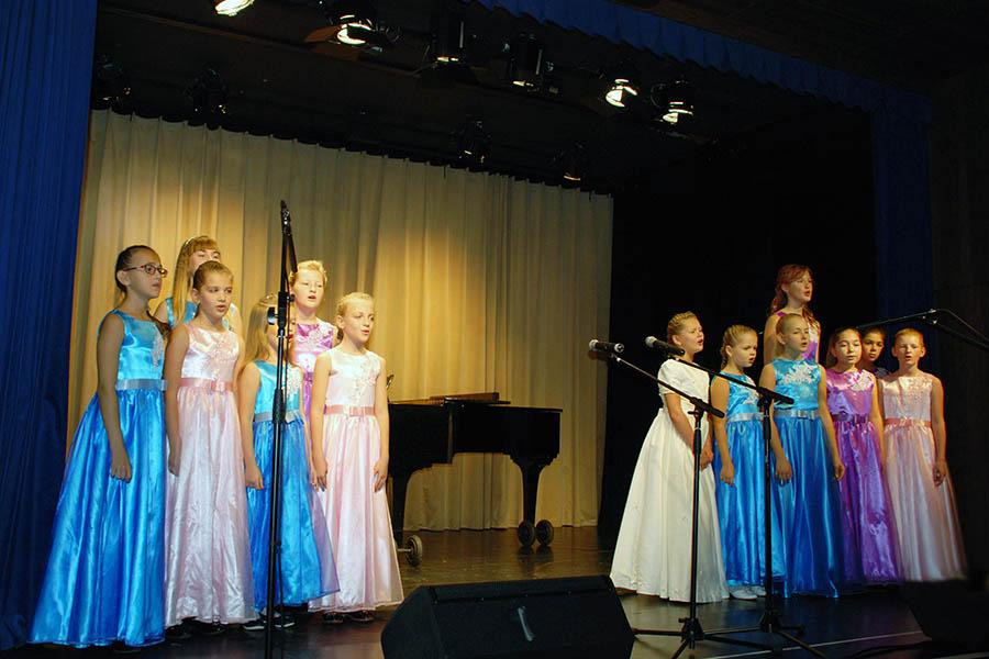 Вокально-хоровая студия «Радость». Руководитель: Наталия Агоч